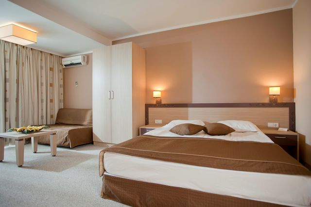 DIT Evrika Beach Club Hotel - Apartment